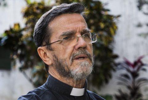 bispo_de_pemba_em_mocambique_luiz_fernando_lisboa_foto_ricardo_francolusa11384aaedefaultlarge_1024